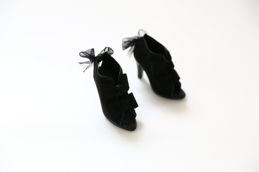 black-ribbon-bootie_900600-06