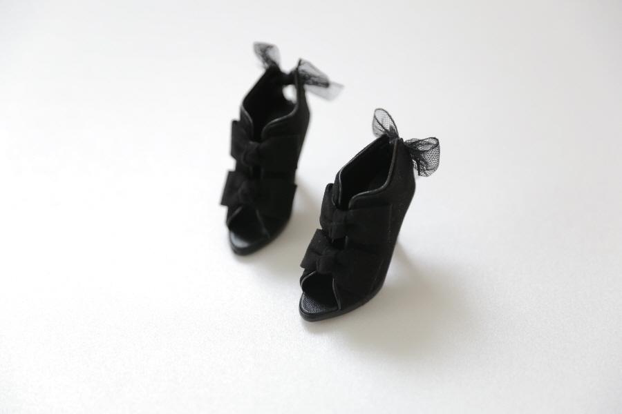 black-ribbon-bootie_900600-08