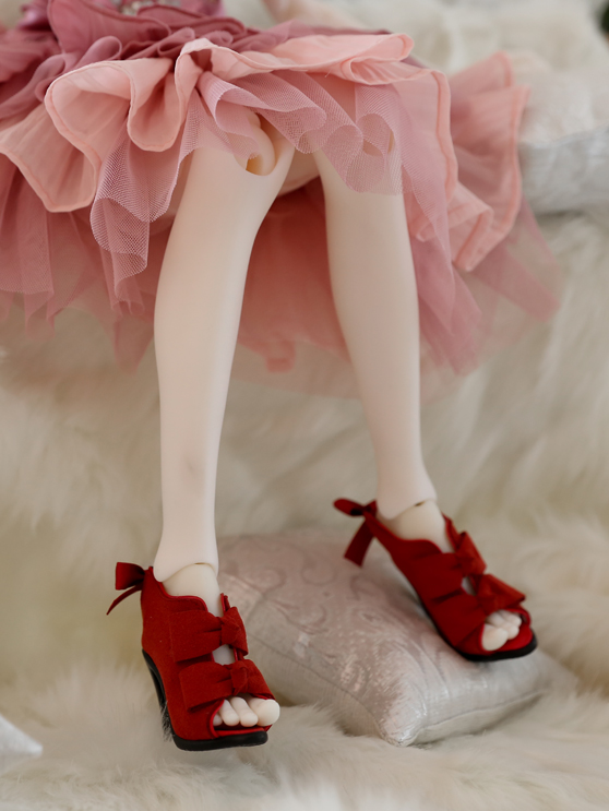 red-ribbon-bootie_558743_01