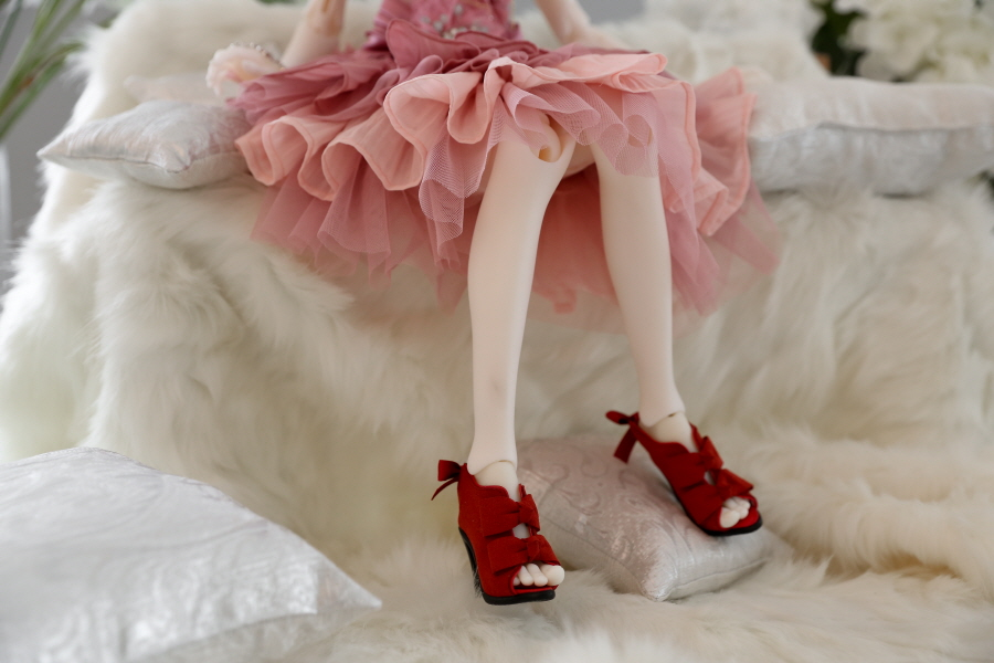 red-ribbon-bootie_900600_01